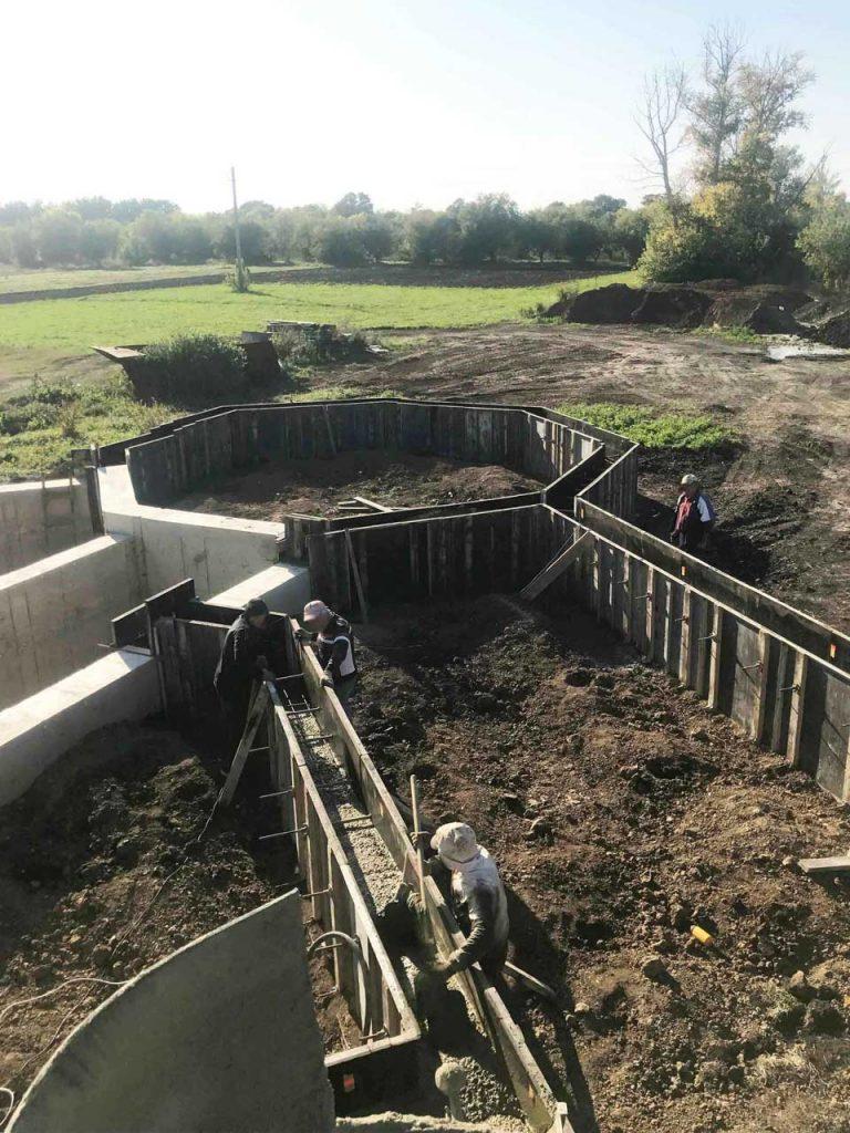 Укладка бетона - опалубка - фото
